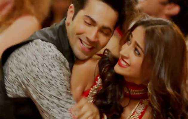 Main Tera Hero Ileana Dcruz Varun Dhawan Romantic Picture Stills