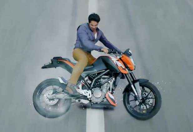 Main Tera Hero Varun Dhawan Bike Stunt Stills