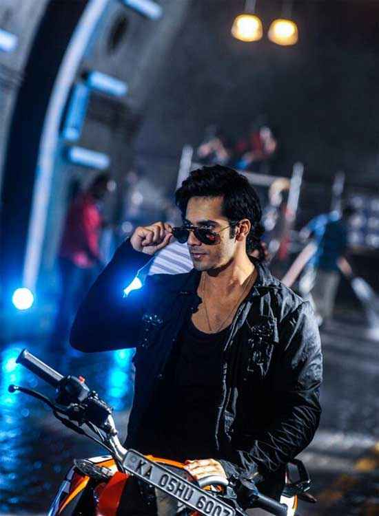 Main Tera Hero Varun Dhawan Bike Wallpaper Stills