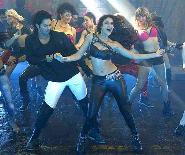 Main Tera Hero Varun Dhawan Ileana Dcruz In Sexy Black Dress Stills