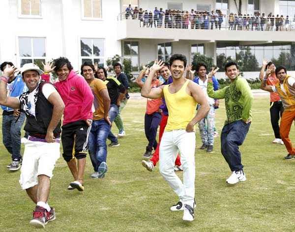 Main Tera Hero Varun Dhawan In Yellow Baniyan Stills
