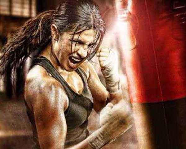Mary Kom Priyanka Chopra Boxing Pics Stills
