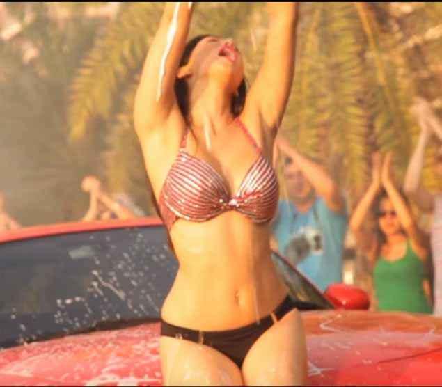 Mastizaade Sunny Leone Hot Navel Stills