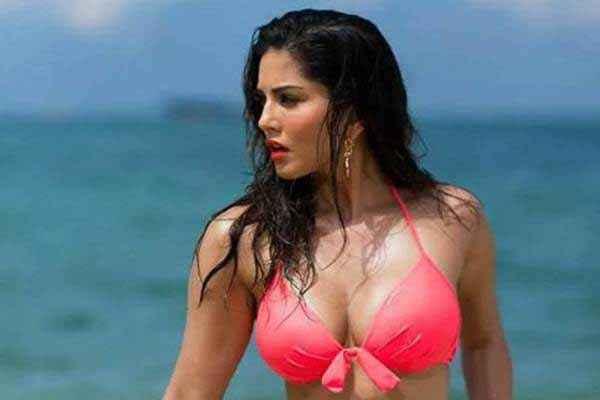 Mastizaade Sunny Leone Hot Pink Bra Stills
