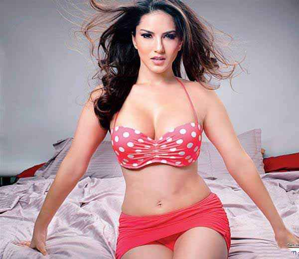 Mastizaade Sunny Leone Pink Short Dress Stills