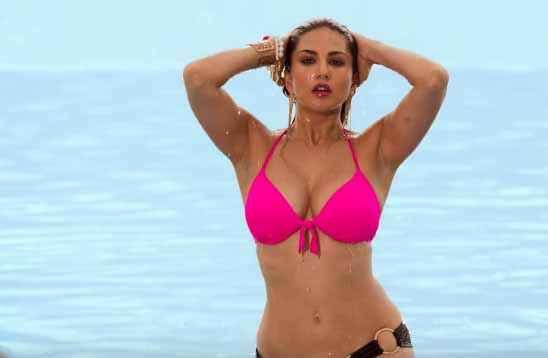 Mastizaade Sunny Leone Sexy Boobs In Pink Bra Stills
