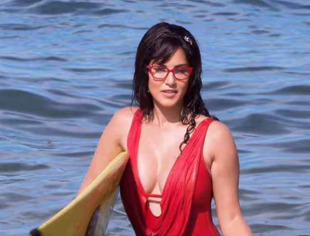 Mastizaade Sunny Leone Showing Boobs As Lily Stills