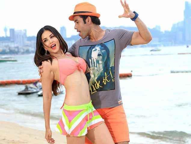 Mastizaade Tusshar Kapoor Sunny Leone Romantic Scene Stills