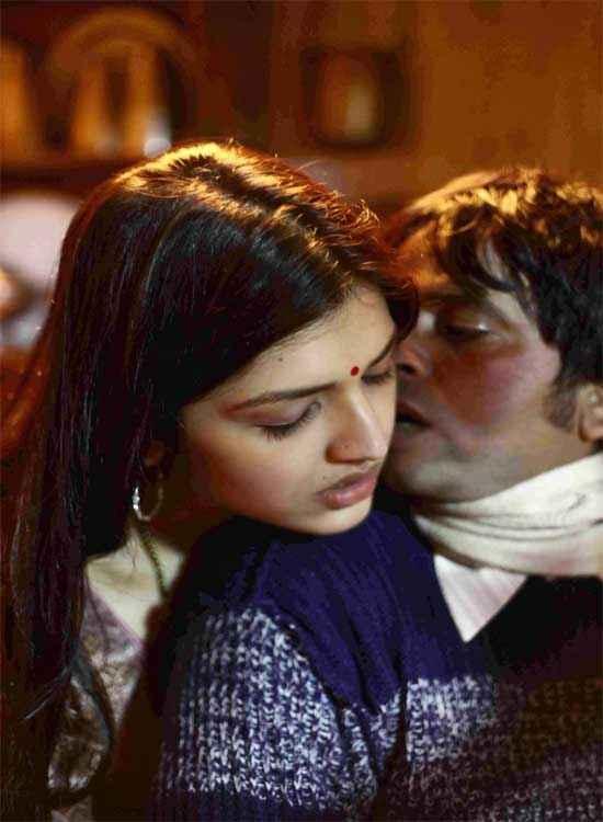 Mastram Kissing Scene Stills
