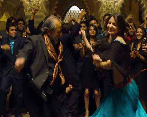 Matru Ki Bijlee Ka Mandola Anushka Pankaj Dance Scene Stills