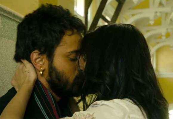 Matru Ki Bijlee Ka Mandola Imran Anushka Kiss Scene Stills