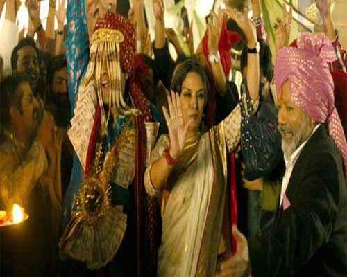 Matru Ki Bijlee Ka Mandola Shabana Azmi Pics Stills