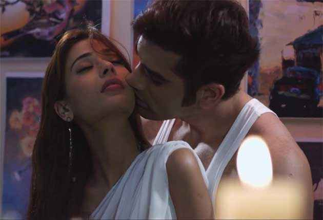 Midsummer Midnight Mumbai Paras Chhabra Sara Khan Kissing Scene Stills