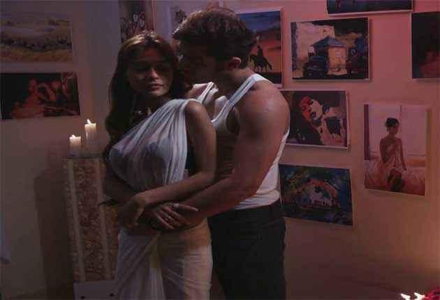Midsummer Midnight Mumbai Paras Chhabra Sara Khan Sexy Romantic Scene Stills