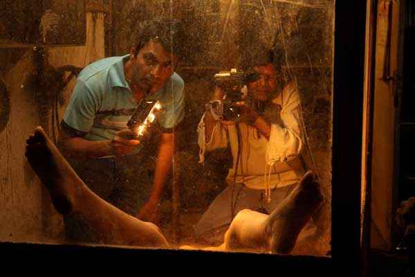 Miss Lovely Hot Scene Stills