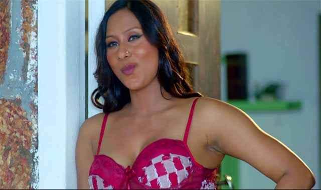 Miss Teacher Hot Kamalika Chanda In Bra Stills