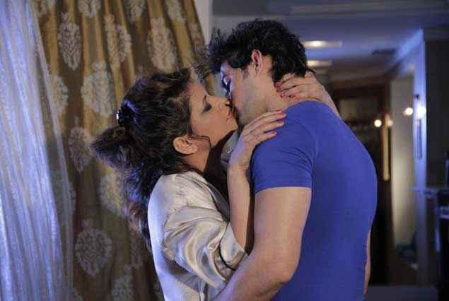 MMS Kand Monty Sapna Tanveer Kiss Scene Stills
