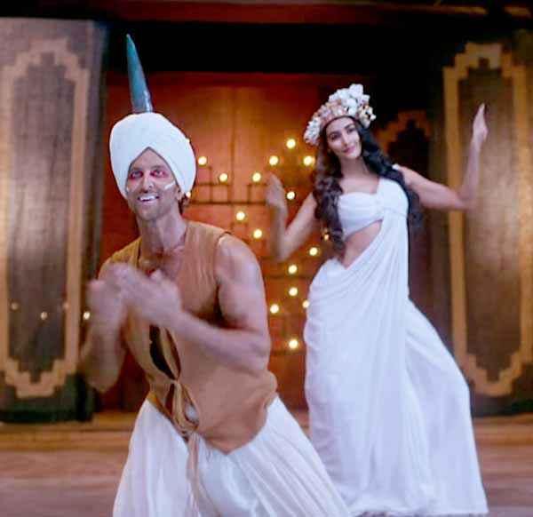 Mohenjo Daro Hrithik Roshan Pooja Hegde Dance in White Dress Stills