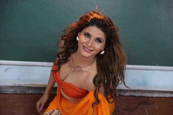 Monsoon Srishti Sharma Hot Boobs Cleavage Stills
