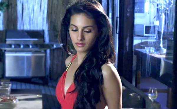 Mr. X 2015 Amyra Dastur Boobs Cleavage Stills