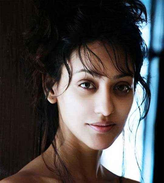 Mumbai 125 KM Star Cast Vedita Pratap Singh