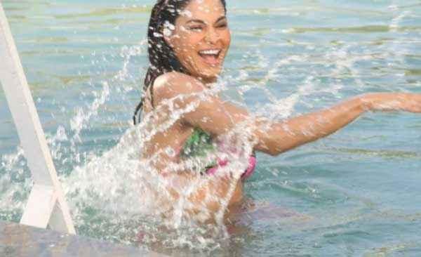Mumbai 125 KM Veena Malik Bikini Pics Stills
