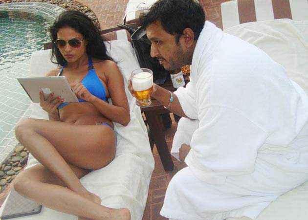 Mumbai 125 KM Veena Malik Stills