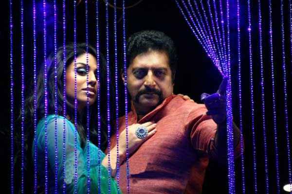 Mumbai Mirror Prakash Raj Gihana Khan Stills