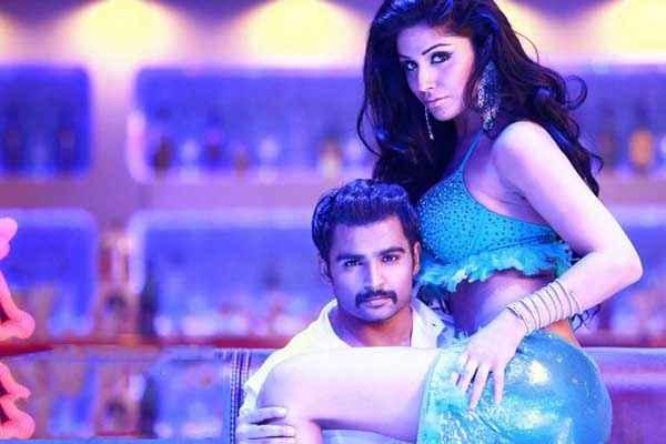 Mumbai Mirror Sachiin Joshi Gihana Khan Sexy Picture Stills