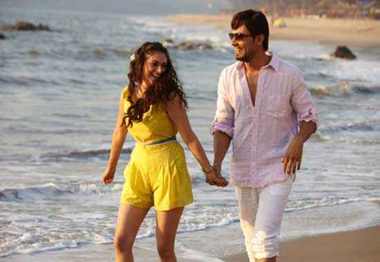 Murder 3 Randeep Hooda Aditi Rao Hydari Beach Scene Stills