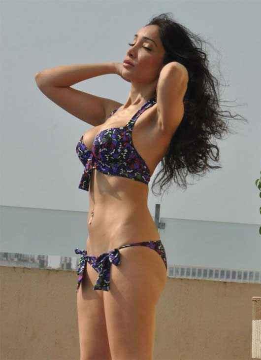 Naachle London Sofia Hayat in Bikini Stills