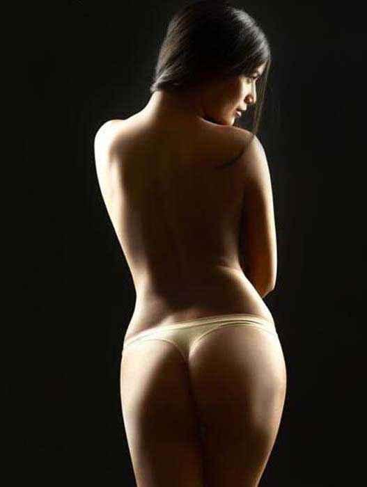 Nasha Poonam Pandey Topless Hot Pics Stills