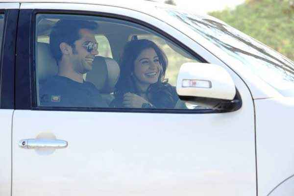 NH10 Neil Bhoopalam Anushka Sharma in Car Stills
