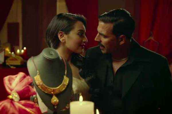 Once Upon A Time In Mumbaai Dobaara Akshay Kumar Sonakshi Sinha In Romantic Mood Scene Stills