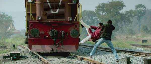 Once Upon A Time In Mumbaai Dobaara Train Scene Stills
