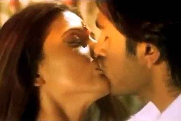 Paapi 2013 Aarya Babbar Pooja Bharathi kissing Scene Stills