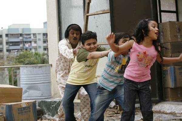 Padduram Vijay Patkar With Kids Stills