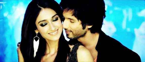 Phata Poster Nikla Hero Shahid Kapoor Ileana DCruz Romance Stills