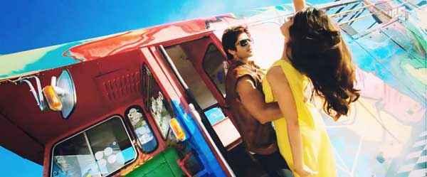 Phata Poster Nikla Hero Shahid Kapoor Ileana DCruz Romantic Photos Stills