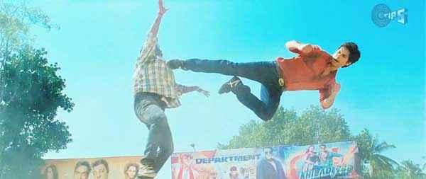 Phata Poster Nikla Hero Shahid Kapoor in Action Scene Stills