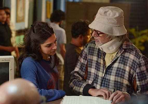 Piku Deepika Padukone Amitabh Bachchan Pics Stills