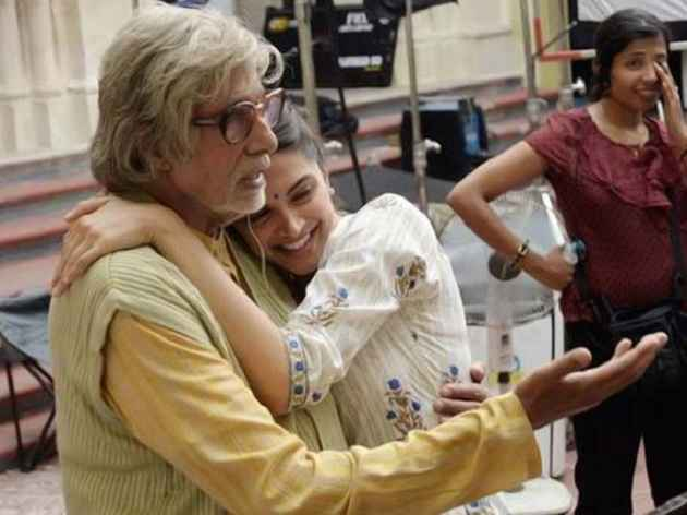 Piku Deepika Padukone Huging Amitabh Bachchan Stills