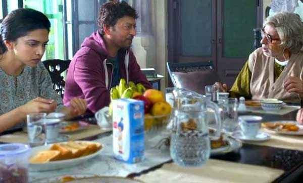 Piku Deepika Padukone Irfan Khan Amitabh Bachchan on Dying Table Stills