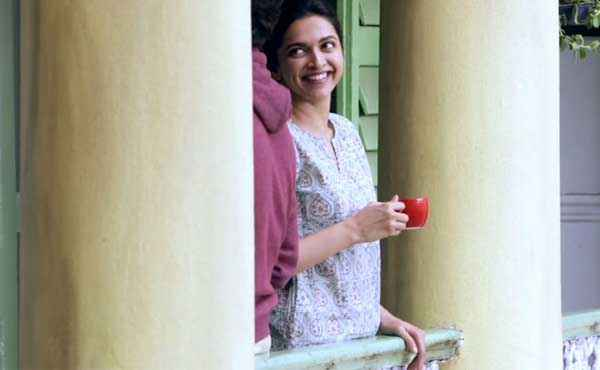 Piku Deepika Padukone Taking Tea Stills