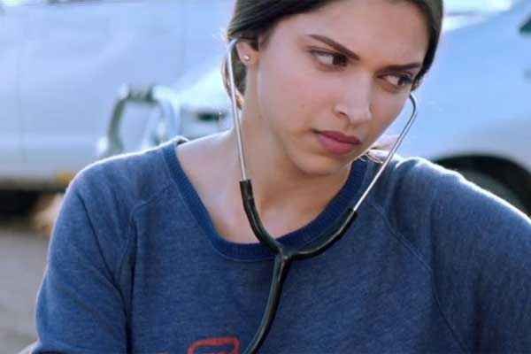 Piku Deepika Padukone With Stethoscope Stills