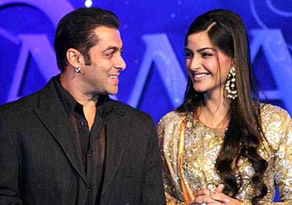 Prem Ratan Dhan Payo Salman Khan Sonam Kapoor Stills