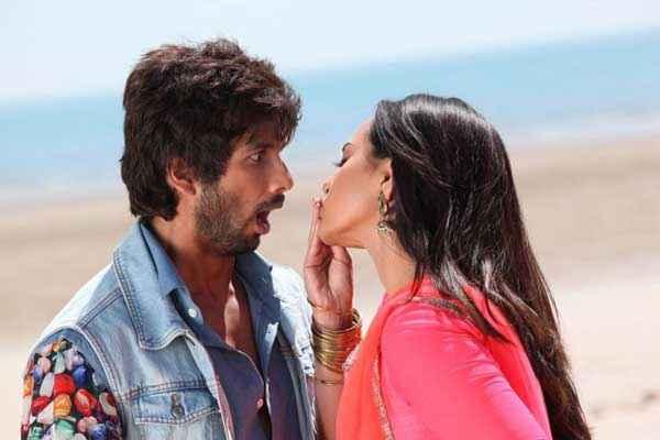 R Rajkumar Shahid Kapoor Sonakshi Sinha Romance Stills