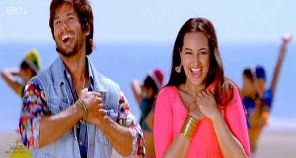 R Rajkumar Shahid Kapoor Sonakshi Sinha Romantic Scene Stills