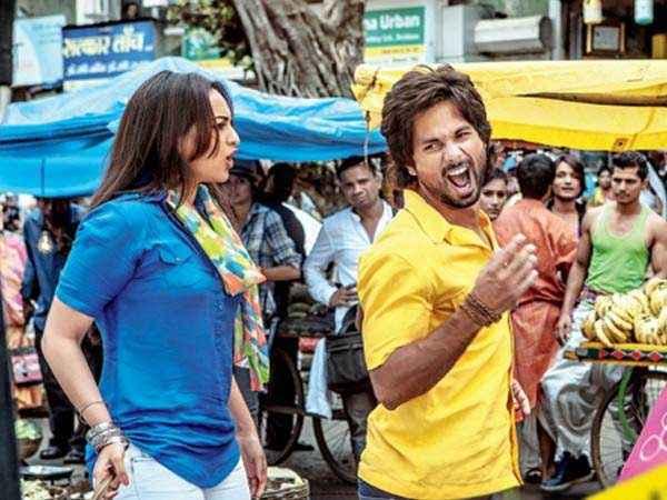 R Rajkumar Sonakshi Sinha Shahid Kapoor Hot Pics Stills