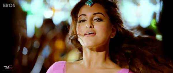 R Rajkumar Sonakshi Sinha Wallpapers Stills